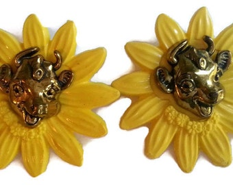 Vintage Borden Elsie the Cow Lapel Pins Set of 2/ Yellow Sunflower Milk Dairy /Alynn Products/Brooch/Advertising