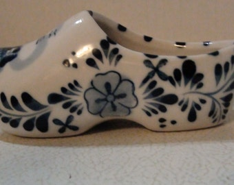 vintage delft blue dutch shoe