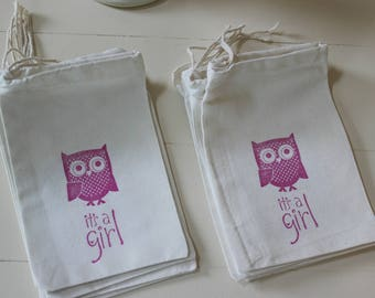 15 Baby Shower Owl it's a girl muslin cotton party favor bags 4x6 inch - you choose ink color - great for baby showers, baby birthday party