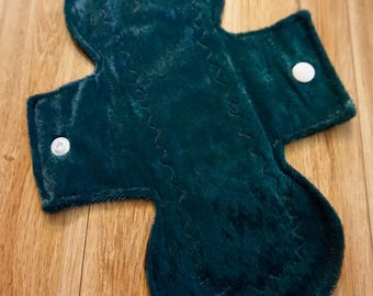 "9.5"" green crushed velvet light day pad"