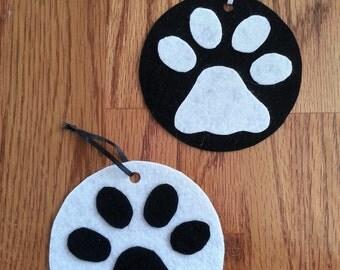Ornament, Paw Print, Handmade, Easy Felt Ornament, Decoration, Gift Tag, Hanging Ornament, Gift Idea, Christmas Ornament