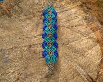 Celtic macrame bracelet, blue Celtic-style macrame bracelet
