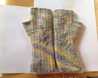 Pastel cables fingerless gloves