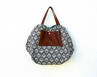 Big bag graphic grey, black blue vintage