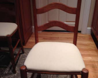 Set of 5 early American kitchen chairs