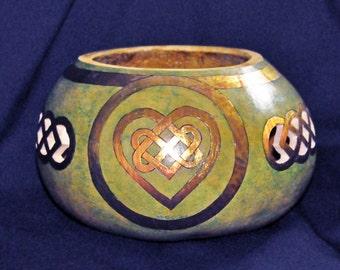 Celtic Design, Celtic Bowl, Celtic Knot, Celtic Heart, Celtic Knot on Bowl, Natural Gourd Bowl, Celtic Theme Bowl, Irish Bowl, Gourd Bowl