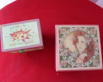 """Wooden Jewlery Box, Trinket Box""""You Make the World More Special Just By being in it!""""   Enesco Music Box """"True Love""""  677"""