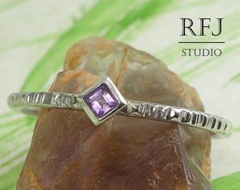 Kite Natural Amethyst Textured Silver Ring, Dainty Stackable Ring February Gemstone Princess Cut 2x2 mm Amethyst Ring Rhombus Setting Ring