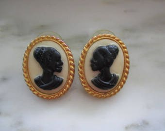 Vintage Gold Tone Black & White Cameo Pierced Earrings