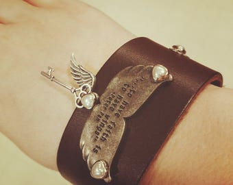 """Leather bracelet To have faith is to have wings """"peterpan"""""""