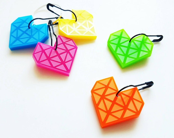 Make.E geometric heart stitch markers, set of 5.