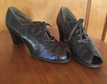 1930s / 1940s brown leather oxford lace up shoes WW2 era US 6 - 6.5