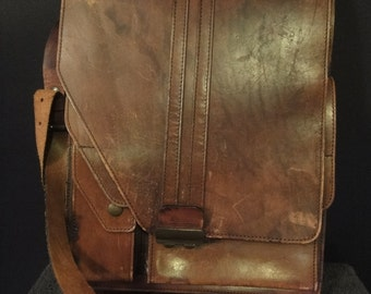 Vintage Mens LEATHER shoulder bag with compartments from the 1950s great condition
