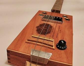 "the ""Cedarwood Blues - Box""    Cigarbox guitar"