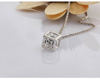 Free Shipping Silver Chian Crystal Fashionable Necklace Gift For The loved One