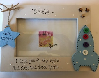 """Personalised wooden Daddy Dad Father rocket Love to Moon & Stars photo 6x4"""" photo picture frame"""
