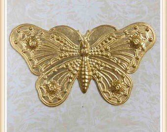 2 pcs  raw brass butterfly moth embellishment vintage ornament E155