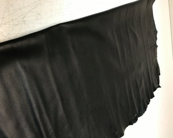Black Lambskin: Fine Italian Nappa Lambskin (0.8-0.9 mm). Perfect for Garments, Jackets, Leather Crafts, Handbags, Shoes