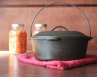 Vintage Cast Iron Pot with Lid! Bean Pot, Dutch Oven, Lodge Number 8 Vintage Cleaned Reconditioned Reseasoned Cowboy Pot Campfire Pot