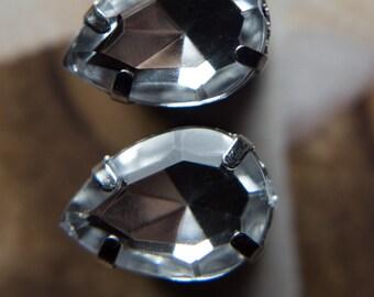 Pretty ear plugs with crystal clear gems, 4g - 5mm 2g - 6mm, 0g -8mm