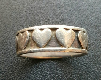 925 Band of Hearts Ring