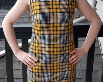 Mod Houndstooth Plaid 60's Mini Dress, Twiggy Dress, Black, Yellow, and White Mad Men, Woven Plaid Tweed Jumper Dress, Size Small