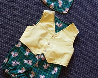 This cute 3 peice reversable suit will look adorable on any boy or girl size 6 m to 12 mths