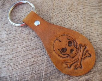 Pirate Skull and Crossbones Jolly Roger Leather Keyring/Keychain with hand tooled custom design made to order. Free shipping.