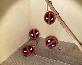 Deadpool symbol keychain