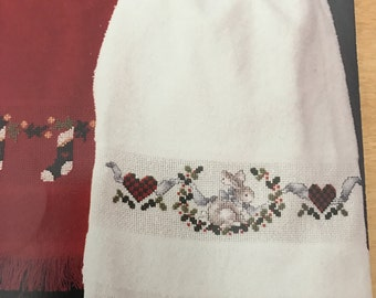 Stoney Creek counted cross stitch Holiday Hand Towels Leaflet 46