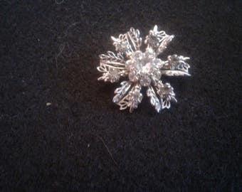 Vintage Rhinestone Flower/Snowflake Brooch