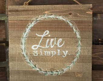 Live Simply boxed sign