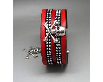 Bracelet red and black skull rock