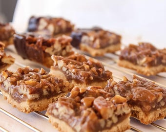 Pecan Pie in a Bar