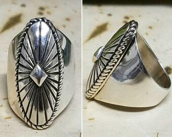 Beautiful sterling silver Navajo ring
