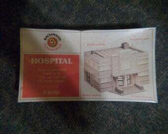 Bachmann 0 scale hospital train scenery
