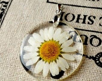 Daisy flower resin disc pendant silver jewellery supplies C129
