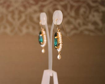 Uzbek Ethnic chandelier emerald earrings