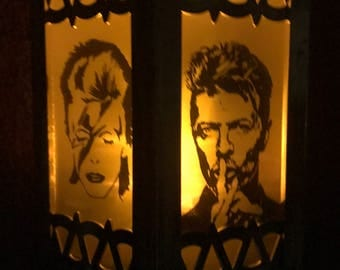 David Bowie Inspired Battery-Operated Plastic Mini Lanterns (Gold)
