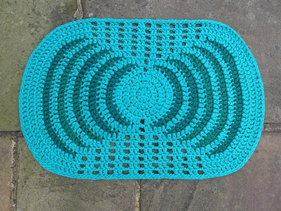 Geometric design, recycled T-shirt Yarn, oval crochet rug in blue and ...