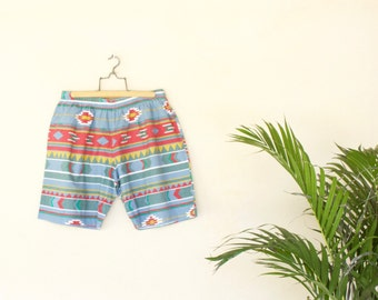 Retro Aztec Printed Shorts - Size Extra Large
