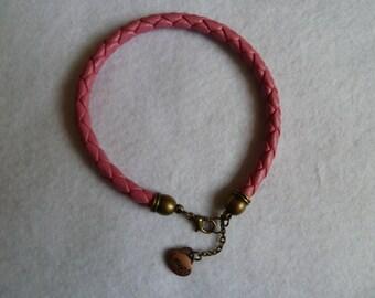 Cord bracelet in pink