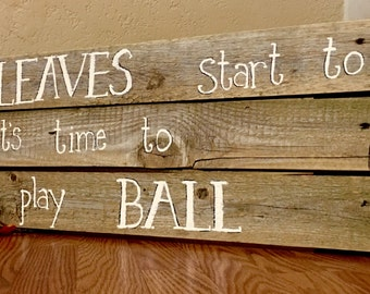 Its football time!! Whenthe keaves start to fall its time to play ball. Pallet sign