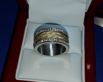 Ring with horse hair