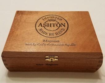 Wooden Cigar Box, Ashton Magnum, Brown Cigar Box