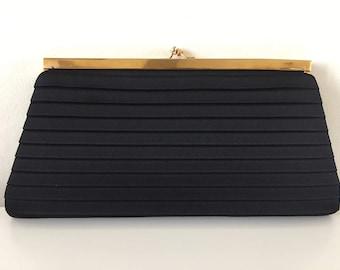 Geometric in pleated black silk vintage wallet