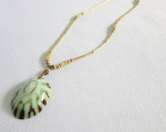 Shell Necklace, Vintage Necklace, Vintage, Shell, Green Shell, Green, Necklace, Jewelry, Beach, Hawaii, Tropical