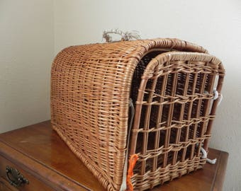 Antique Wicker Cat Carrier Small Animal Carrier Vintage Handmade Cat Carrier.
