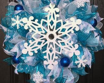 White Snowflake Wreath, snowflake decor, winter decor, holiday decor, frozen wreath, blue wreath