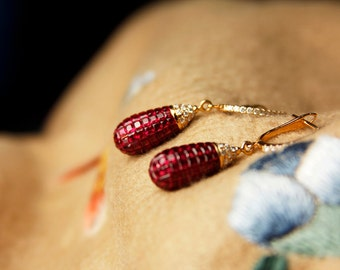 Pigeon blood natural ruby gold earrings with diamonds
